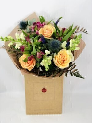 Cosy Moments Winter Handtied: Booker Flowers and Gifts