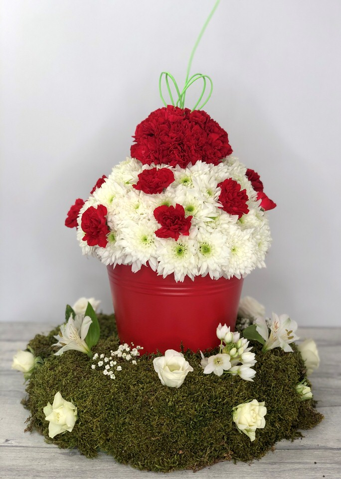 Cupcake Funeral Tribute: Booker Flowers and Gifts