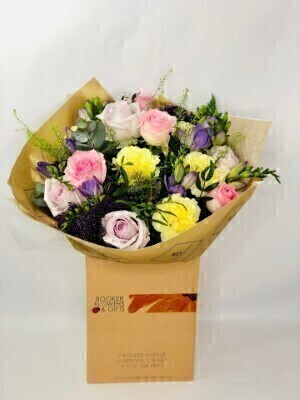 Dusky Mauve Luxury Bouquet: Booker Flowers and Gifts