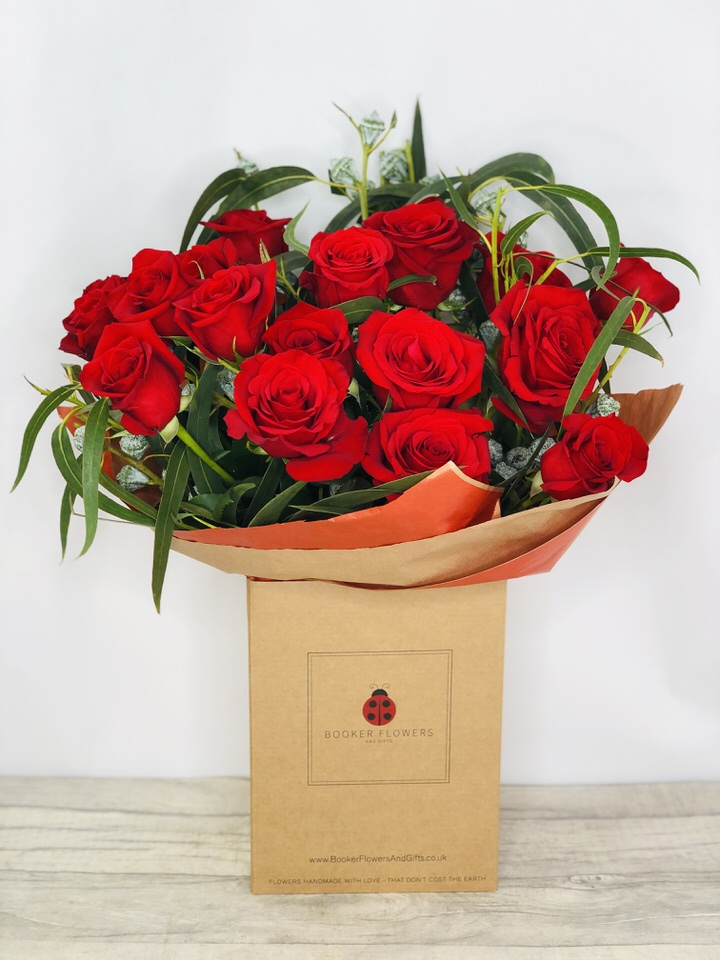 Happy Anniversary 18 Red Roses Handtied: Booker Flowers and Gifts