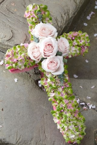 Hydrangea and Rose Funeral Cross: Booker Flowers and Gifts