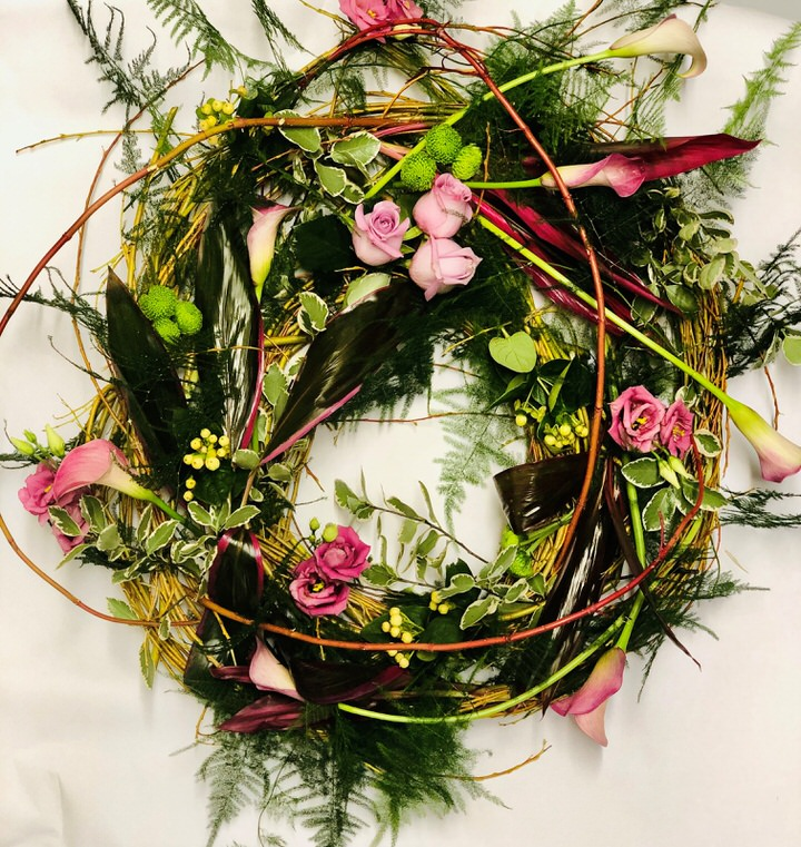 Pink Woodland Wreath Large: Booker Flowers and Gifts