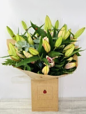 Stunning Large Pink Lily Bouquet: Booker Flowers and Gifts
